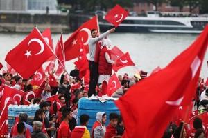 Турецкие политические реалии, похожие на фейерверк.